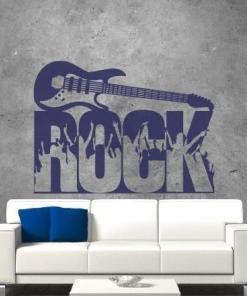 Primer izgleda vijolične samolepilne stenske nalepke Rock na sivi steni.