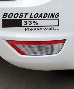 Boost loading - please wait Primer izgleda črne samolepilne avto nalepke Boost loading na avtu bele barve.
