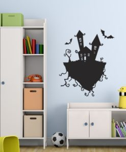 Primer izgleda črne samolepilne stenske nalepke Halloween grad na beli steni v otroški sobi.