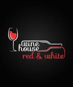 Primer izgleda dvobarvne samolepilne stenske nalepke Kozarec steklenica Wine house na črni steni v restavraciji.
