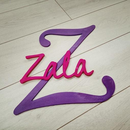 Barvni napis z veliko začetnico Zala