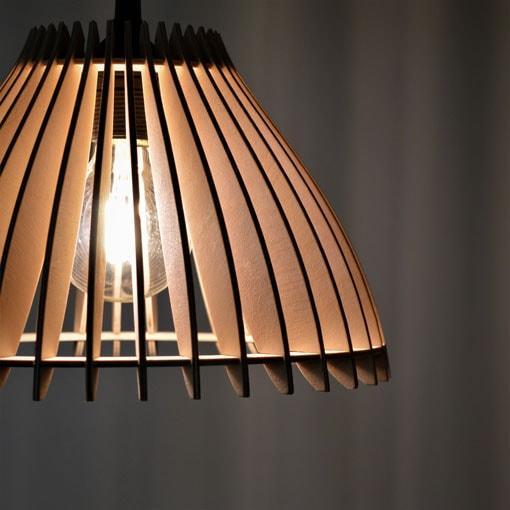 Moderna stropna viseča luč Bell. Ročno delo. Svetila Rolmas