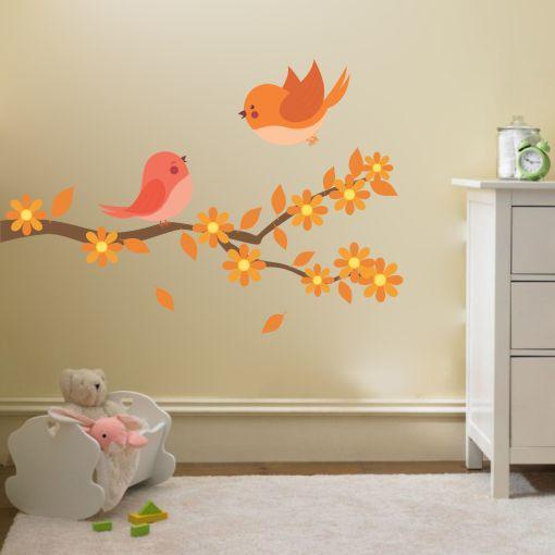 Otroška barvna stenska nalepka Ptička na veji v otroški sobi