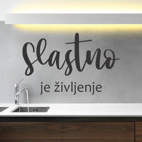 Primer stenske nalepke Slastno je življenje v kuhinji